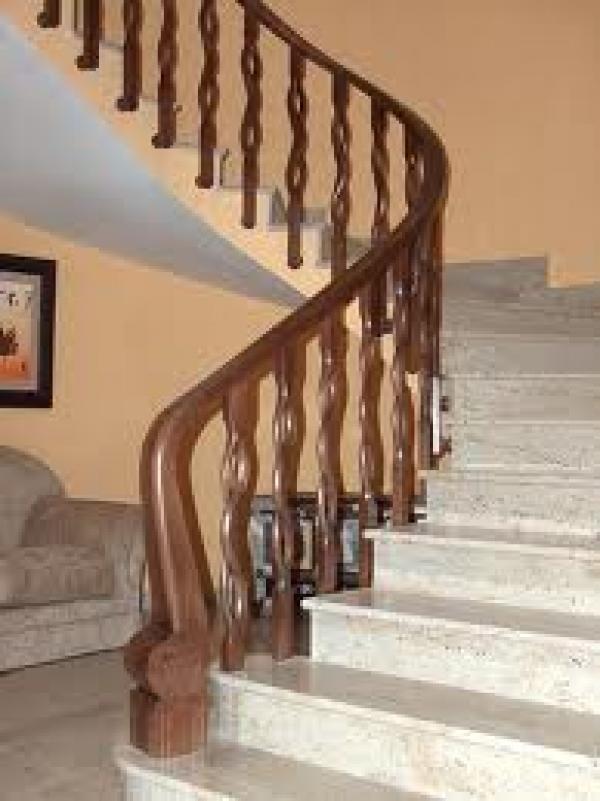 Pon linda tu casa bello pasamanos - Pasamanos de madera modernos ...